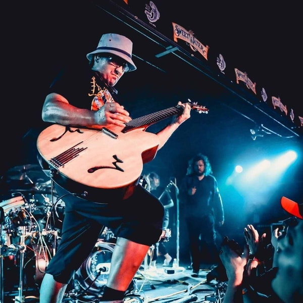 Wheatus frontman Brendan Brown Image