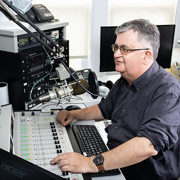 Seaside FM & the community radio legacy of Wayne Harrett