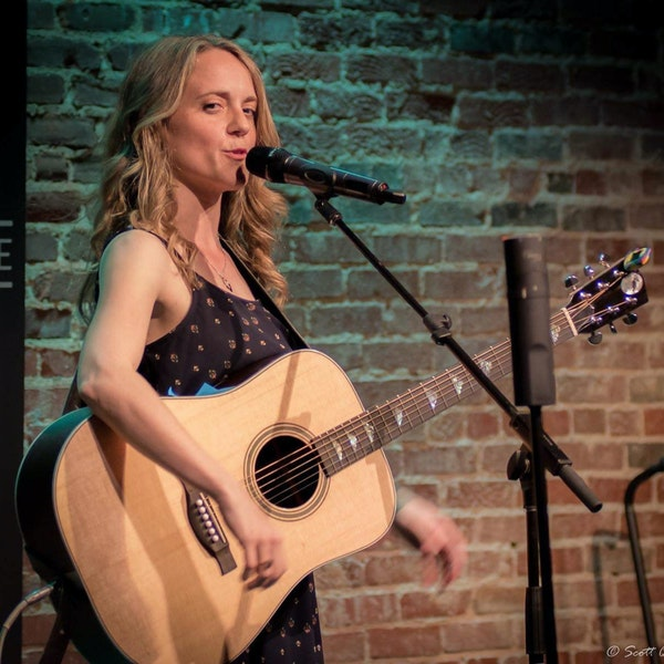 Episode 15: Lianne Hutcheson at the Oakhouse in Canton Ga Image