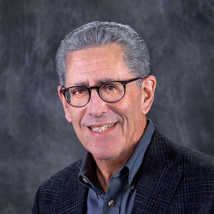 Experience with angel investing, how to receive fundraising, getting the series A, evaluating risks, what entrepreneurs need to do, and success for start up companies by Steve Shwartz.