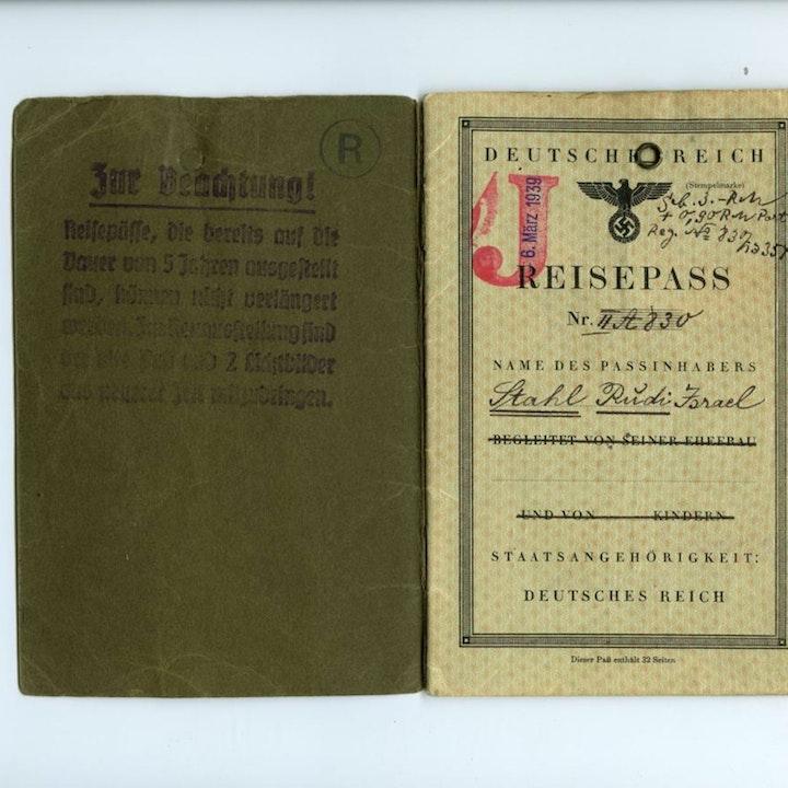 #97 Nazi's and the Vaccine Passport Connection - Mindwars Meets Awakening