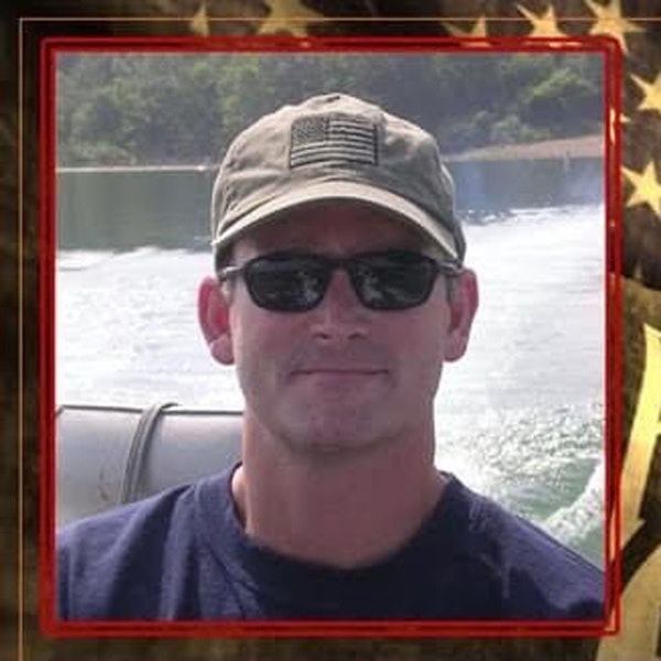 Stories of Sacrifice - Senior Chief SEAL Derrick Van Orden Vietnam MIA Recoveries EP27