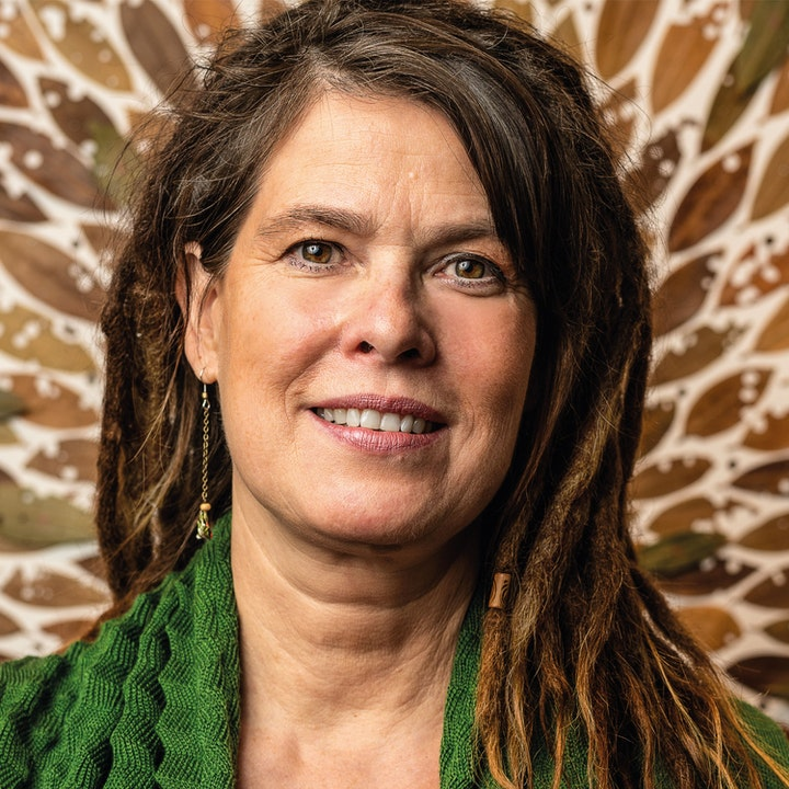 Stephanie Huellmann - Details and Transitions
