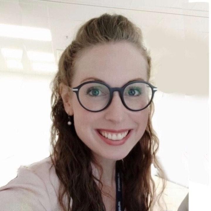 368 - Mariel Davis (Spokn) On Professional Development
