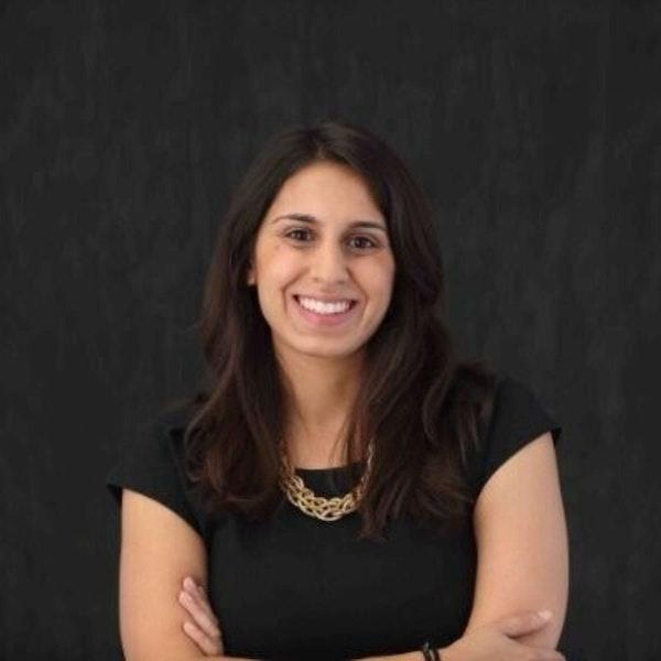 372 - Amira Valliani (Glow) On Paid Podcast Memberships Image