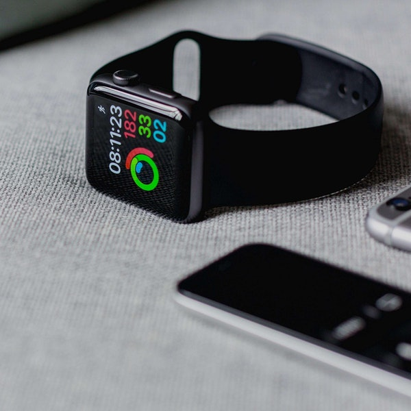 Apple Watch & Oura Ring Review | Using Tech to Build Healthier Habits Image