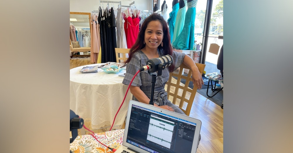 """Melane """"Lanie"""" from Seaside Bridal Couture on """"3-Minutes"""" Hosted by Stephanie Viva"""