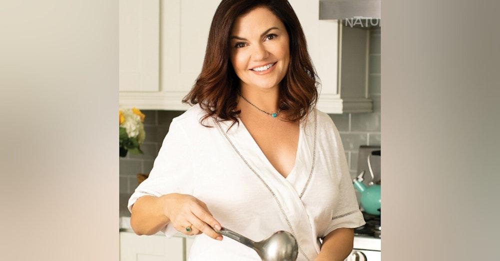 S1 E6 - Guest: Comedian and Cookbooker Anna Vocino