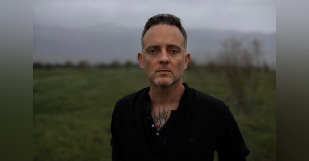 Episode 19  - Dave Hause (Singer/Songwriter, Solo Artist, The Loved Ones)