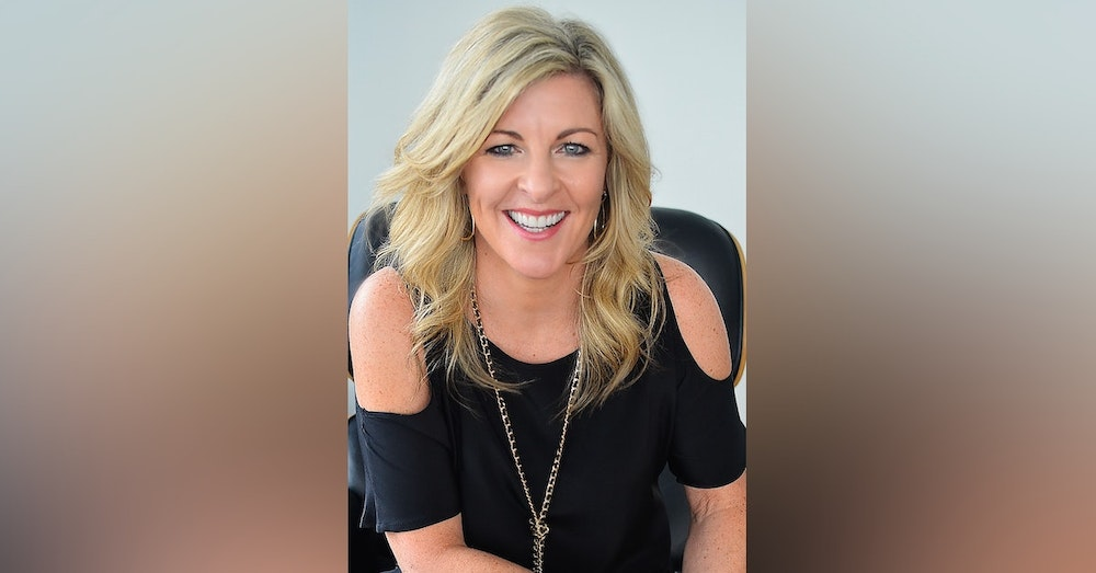 Janine Brolly, Speaker, Author, 7 Figure business owner, helping women own their power