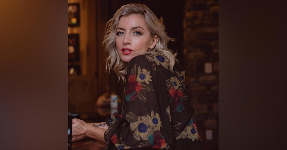"Amanda Lynn Live from ""The Bird's Nest"""