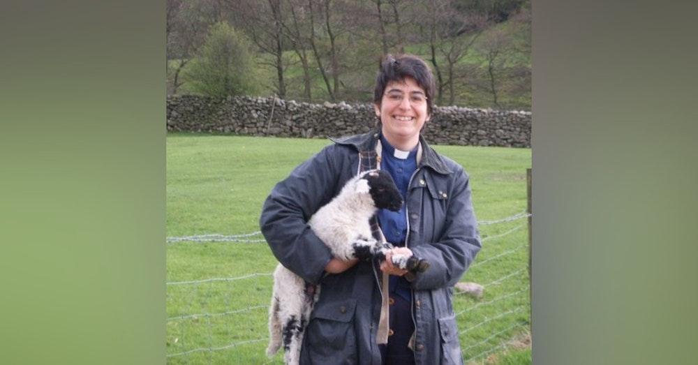 #019 Life as a rural vicar with Caroline