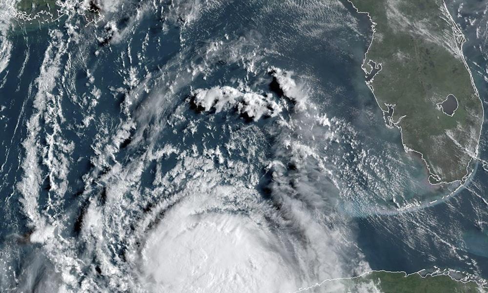 El huracán Laura toma fuerza en el Golfo para su cita con Texas y Luisiana