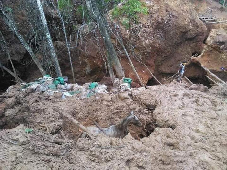 Dos fallecidos por derrumbe de mina artesanal en Río San Juan