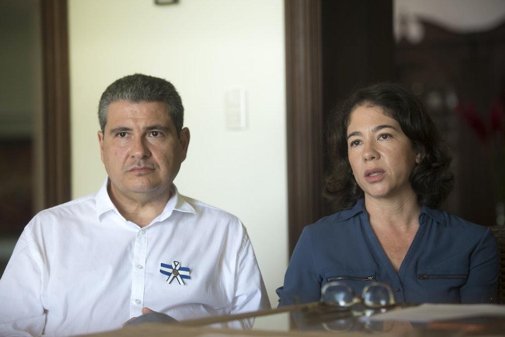 Embargan propiedades de Victoria Cárdenas