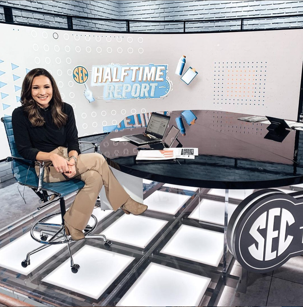"""ESPN's Alyssa Lang on authenticity, """"imposter syndrome"""" & donut fraud."""