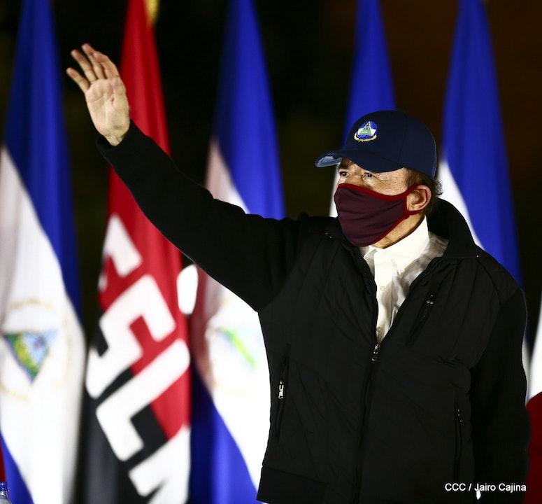 Ortega y Murillo con mascarillas representan retroceso en discurso sobre la pandemia