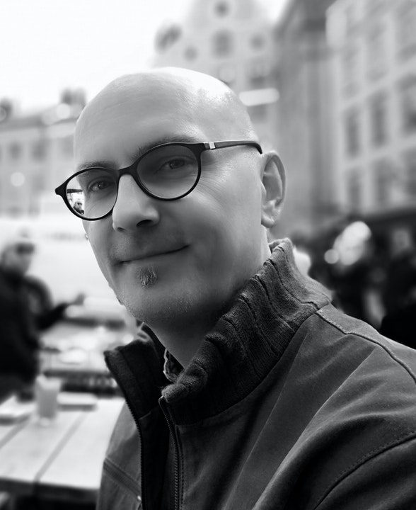 Dieter Moitzi: Author and Book Reviewer Image