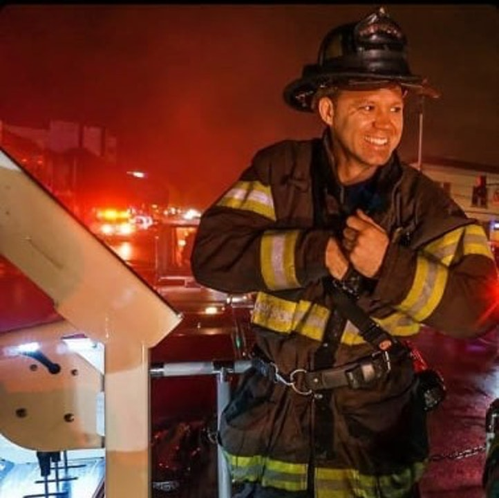 Episode image for The tools to live, serve and thrive as a First Responder- Aaron Quinn