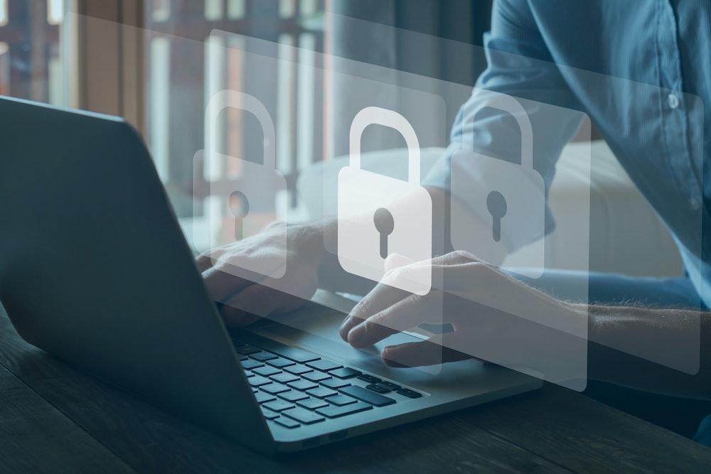 ¿Cómo debemos cuidar nuestra información para prevenir ciberataques?