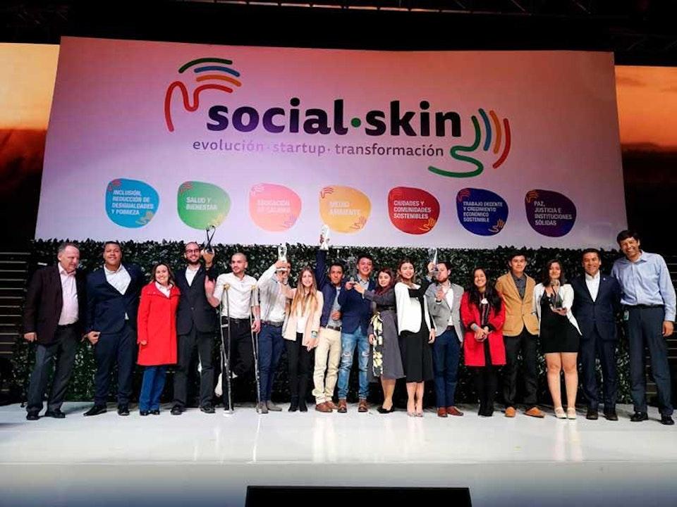 Jóvenes innovadores y con emprendimientos sociales podrán participar por US$12.000 de la mano de expertos del Grupo Bolívar Davivienda