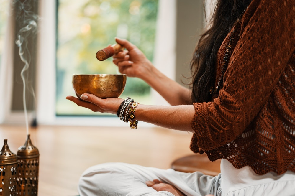 9 Easy Tips Perform A Silent Meditation Retreat Without Leaving Home