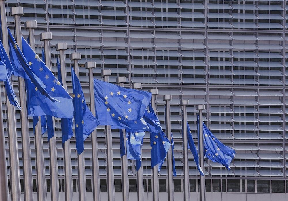 UE rechaza reforma electoral y elección de magistrados del CSE