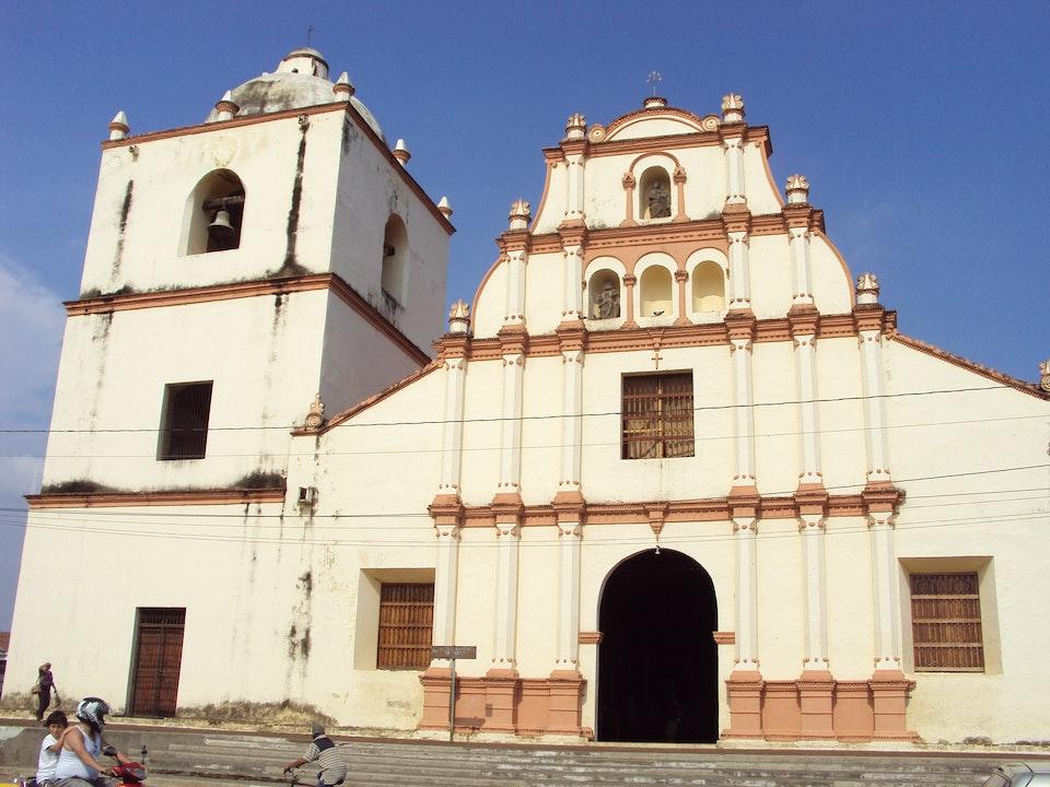 Dos parroquias en León cancelan procesión por rebrote de covid-19