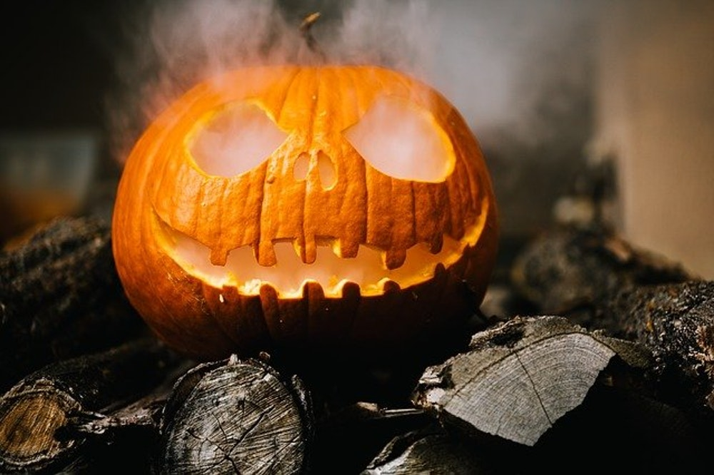 Hauntings & Halloween Spirits