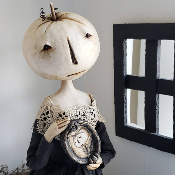 Stacey Walsh: Lover of Old Cemeteries, Handmade, and History Image
