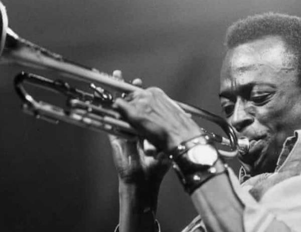 Tune Up, Miles Davis Image