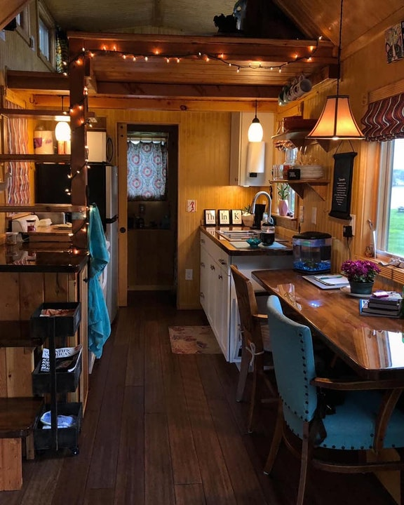 Tiny House Living, Minimalism, and the Simple Life: An Interview with Dia