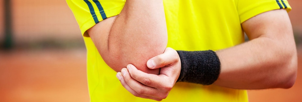 How your racquet and strings can help prevent tennis elbow