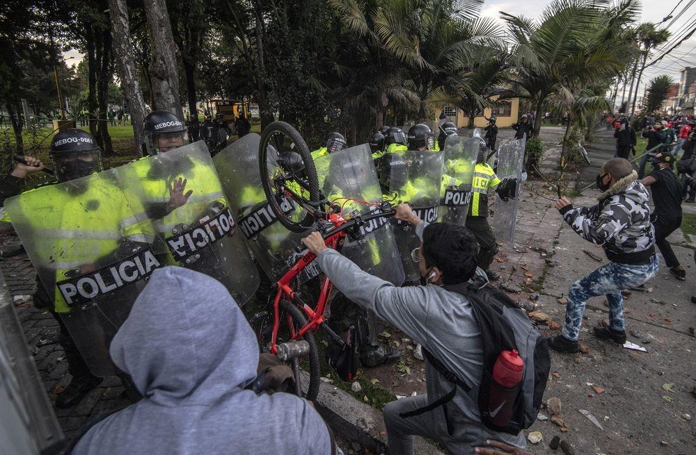 Disturbios en Colombia por muerte de hombre de 46 años
