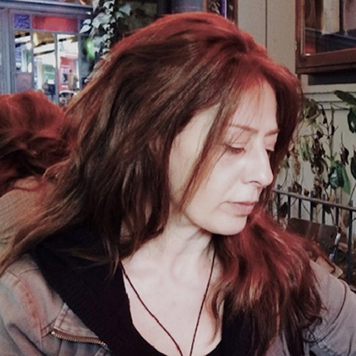 Episode image for Fotoğrafevi ve İz Dergisi yöneticisi Gölnur Cengiz