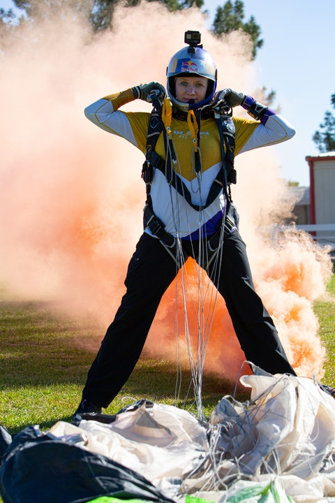Paving the way for female skydivers: Amy Chmelecki's Natural Born Bucket List Career Image