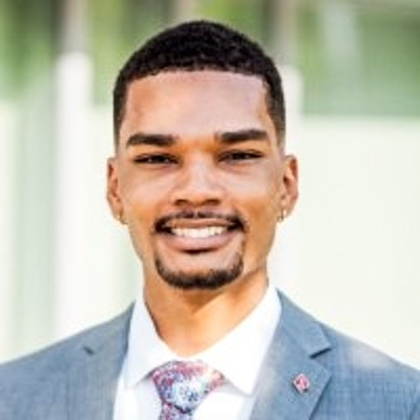#10: Lance Davis - Software Engineering and Product Management Intern at Apple