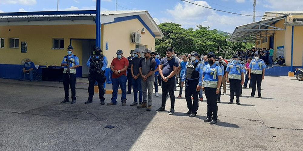 Honduras detiene a 149 nicaragüenses y 32 presuntos traficantes de personas