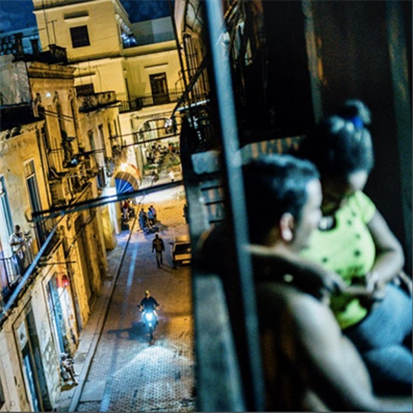 Bir şehrin altını çizmek! Engin Güneysu ve Erhan Şermet'le sokak fotoğrafı Image