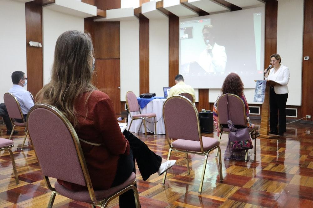 Presentan libro que documenta torturas en Nicaragua