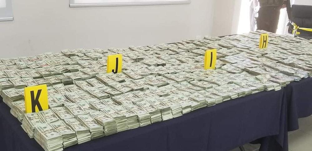 Policía informa de otra incautación millonaria
