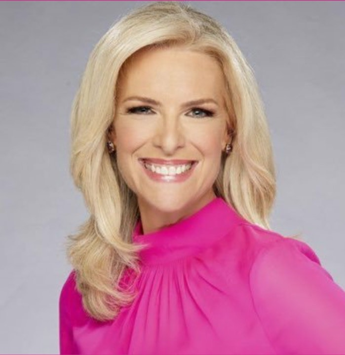 At The Mic - Ep. 43 - Guest: Janice Dean (03/05/21)