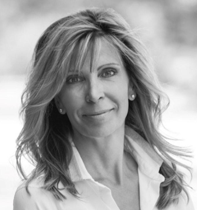 At The Mic (Quick Bite) - Guest: Barbara Schroeder (9/20/21)