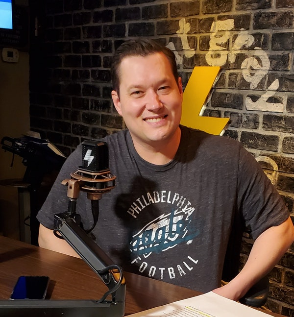 At The Mic (with Keith) - Episode 8 - Guest: Stu Burguiere, Part 1 of 2 (4/24/2020) Image