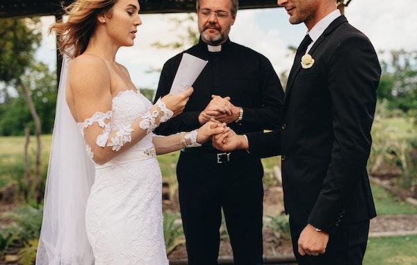 Ep.123 - Should wedding vows include avoiding entanglements?