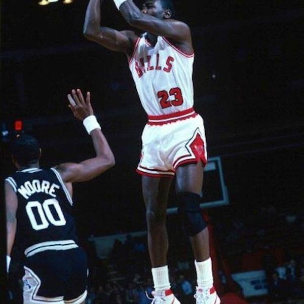 Michael Jordan's rookie NBA season - November 10 through 24, 1984 - NB85-10 Image