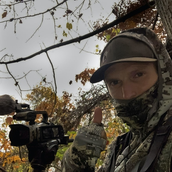 Ups and downs of using deer decoys Image