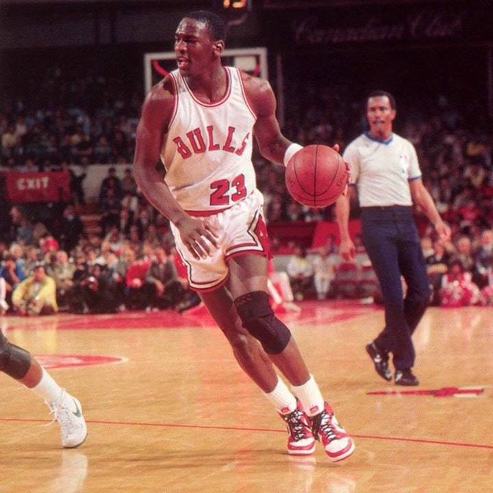 Michael Jordan's rookie NBA season - 1985 Playoffs (Round 1) - NB85-26