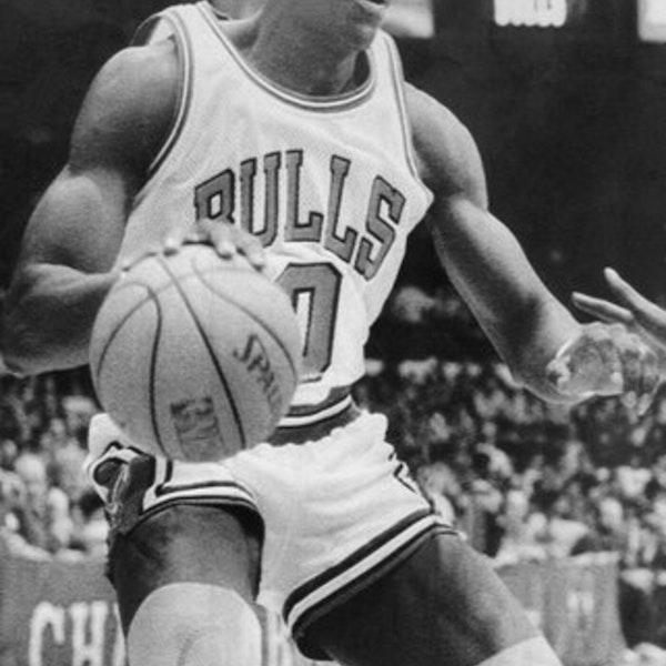 Michael Jordan's second NBA season - Cavaliers (Oct 25), Pistons (Oct 26) at Bulls - 1985 - NB86-2 Image