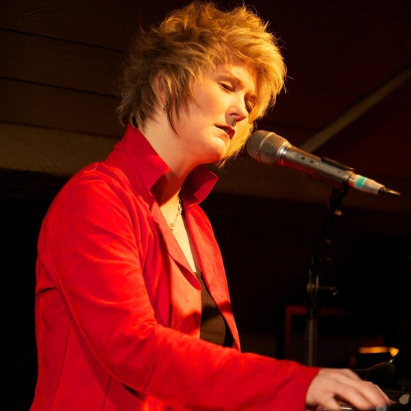 Episode 13 - A conversation with vocalist/pianist Dena DeRose Image
